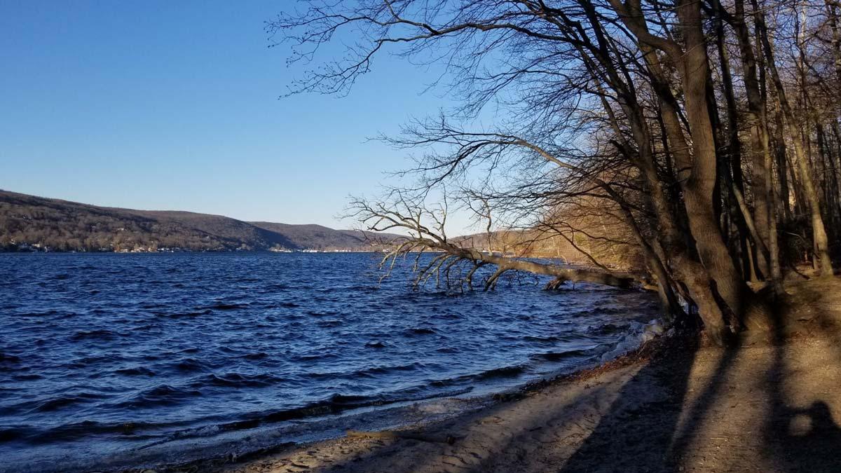 winter-lake_resize.jpg