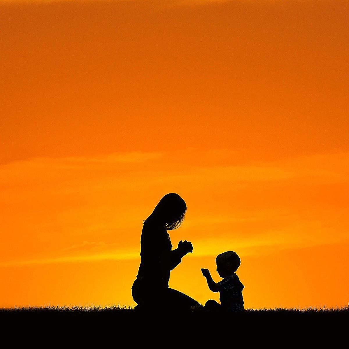 mom-praying-5137274_1280_resize.jpg